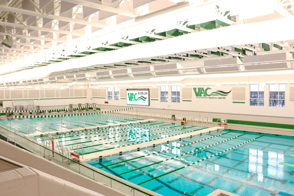 Lightruss LED - Valparaiso Aquatic Center