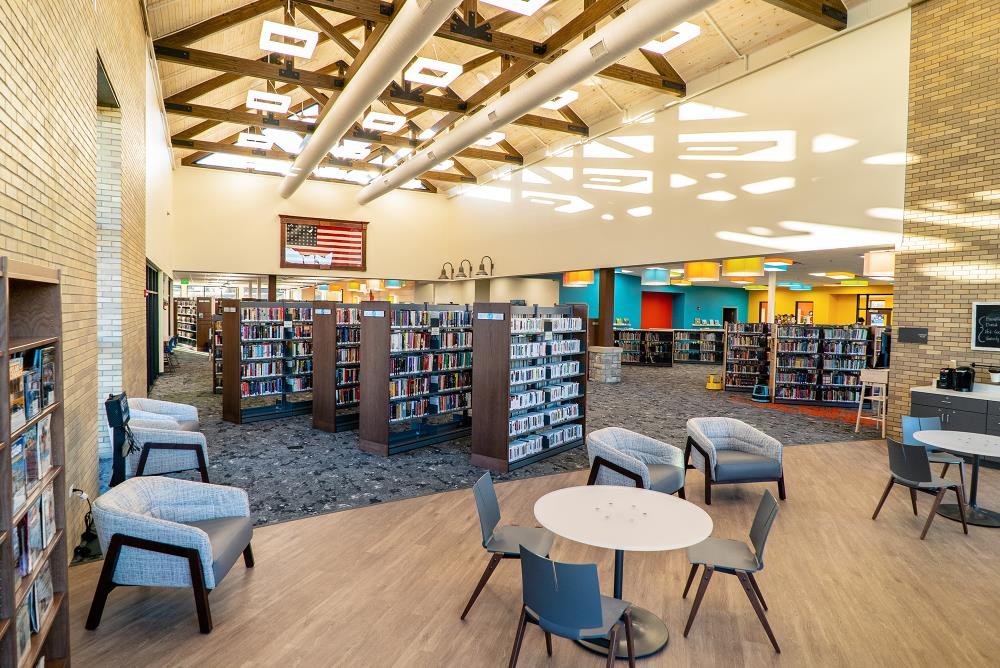 Novato Frame - Russell County Public Library (Kentucky)