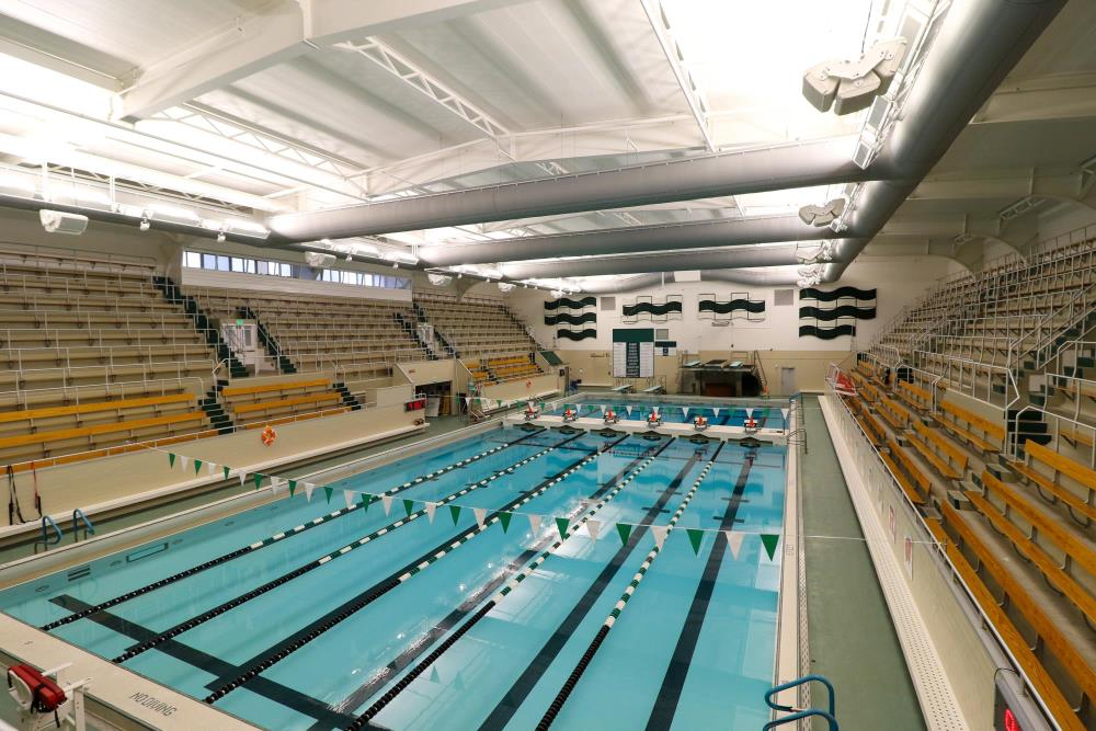 Lightruss LED Triangular - Collegiate Swimming Pool